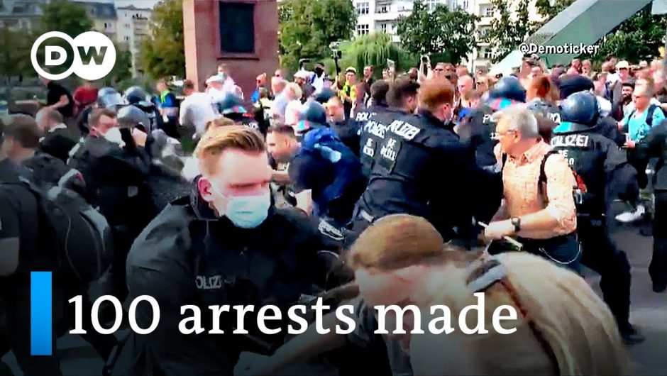 Coronavirus protesters clash with police in Berlin | DW News